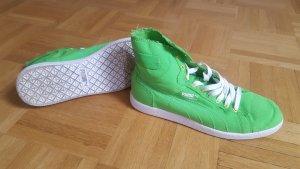 Sneaker von Puma in neongrün
