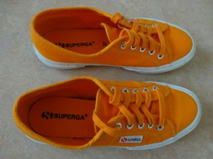 Sneaker von Superga Gr. 37 orange