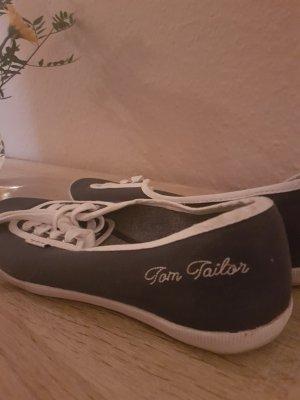 Sneaker von Tom Tailor