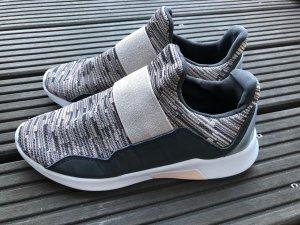 Sneaker, wie neu