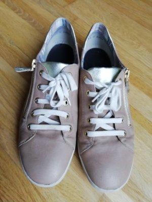 Sneakers ara