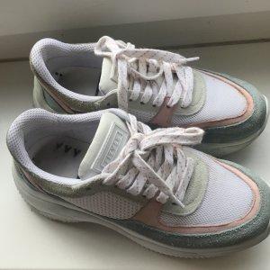 Sneakers aus Brasilien