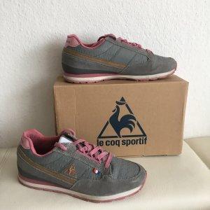 Sneakers aus Leder Grau Rosa