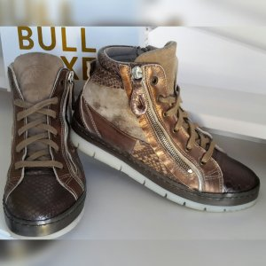 Sneakers Bullboxer top