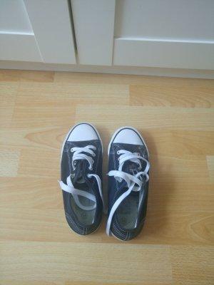 Sneakers Gr 36 Schwarz
