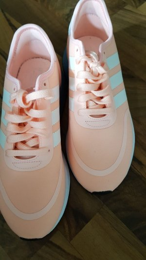 Adidas Lace-Up Sneaker pink