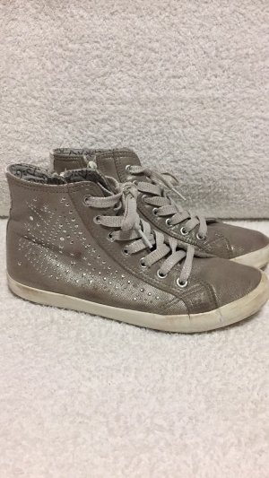 Sneakers grau........