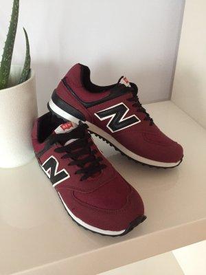 Sneakers in Bordeaux
