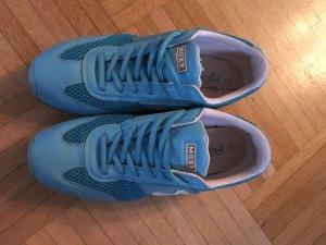 Sneakers in Türkis fast neu