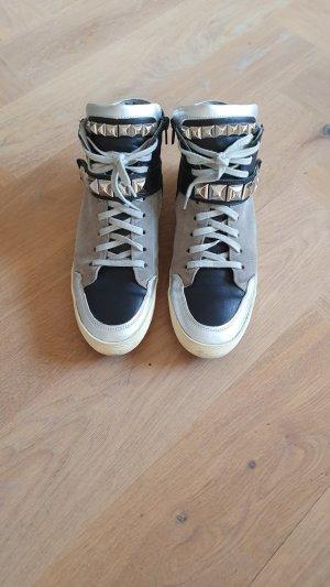 sneakers kennel&schmenger