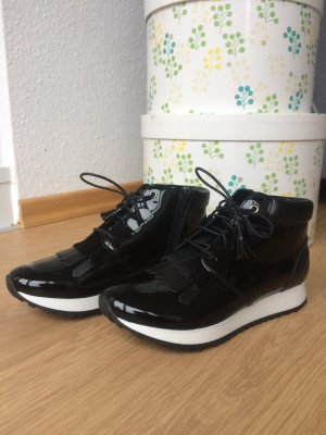 Sneakers / Lackleder / Nagelneu