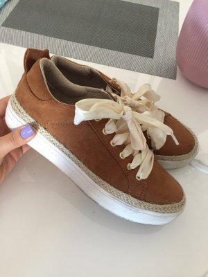 Sneakers mit platform