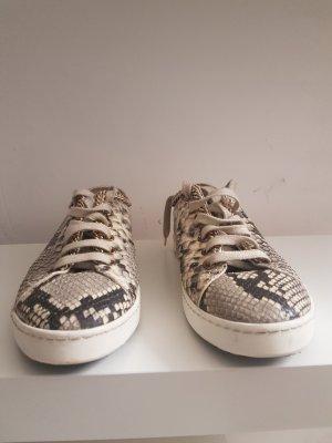 Zapatillas color oro-nude