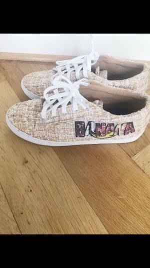 Sneakers tweed mit Sticker