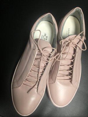 Sneakers von der Marke Vagabond