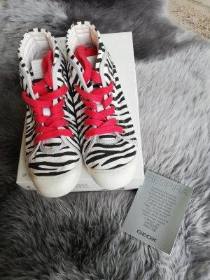 Sneakers von Geox mit Zebramuster schwarz weiß neu