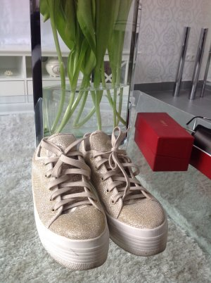 Sneakers von Guess, 30