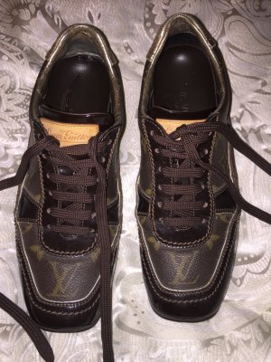 Louis Vuitton Sneakers bruin