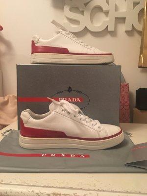 Sneakers von Prada Gr. 38 ( fallen eine Nr. größer aus )