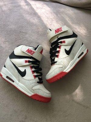 Nike Basket à talon multicolore cuir