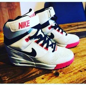 Nike Heel Sneakers multicolored leather