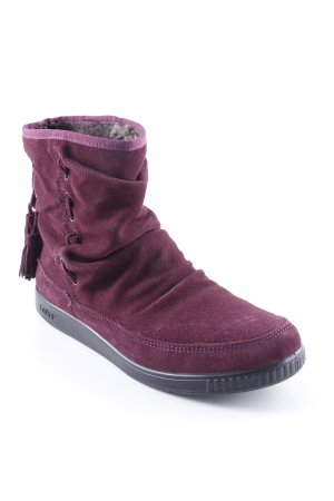 Snow Boots purple casual look