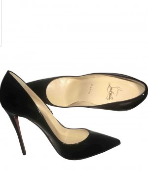 So Kate Schwarz Lackleder Pumps Christian Louboutin 39. 12 cm