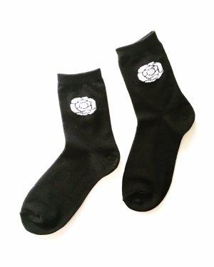 socken • söckchen • strümpfe • vintage • socksandsandals  • boho • schwarz • weiss