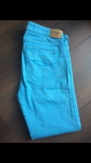 Soft Jeans in hellblau