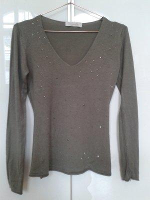 Softer Pullover in khaki mit Steinbesatz