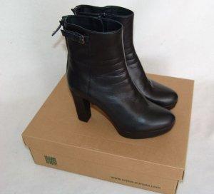 Softweiche schwarze Leder Stiefeletten mit Plateau NEU Gr. 39
