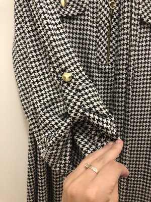 Shirtwaist dress white-black