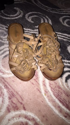 Sandalias con plataforma marrón claro