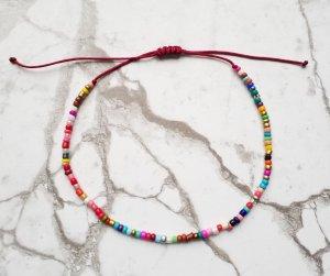 SOMMER! Fußkettchen mit weinrotem Band und kunterbunten Perlen