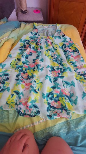Sommer kleid bund und locker