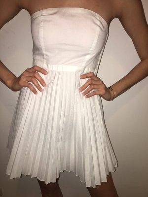 Off-The-Shoulder Dress white