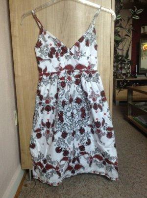 Sommer Kleidchen Weiß gemustert Größe XS