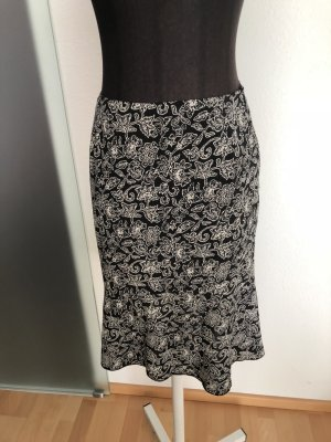 Young Spirit Godet Skirt black-white