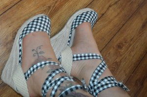 Sommer Sandaletten zum binden mit Keil Gr. 39 Pimkie