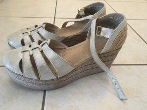 Sandalias cómodas color plata-gris claro