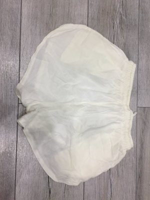 Short moulant blanc