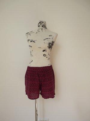Sommer-Shorts mit Ethno-Muster