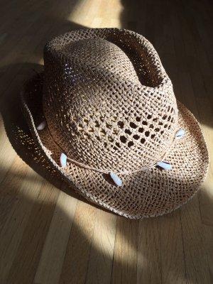 Sommer Strohhut mit Muschelkette
