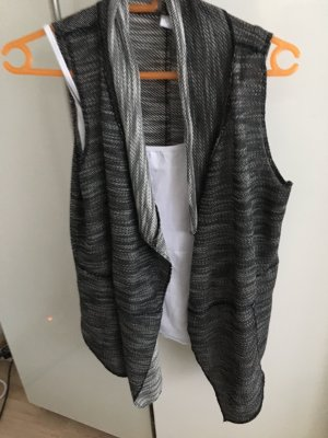 Knitted Vest black-white mixture fibre