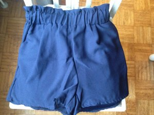 Short bleu foncé polyester