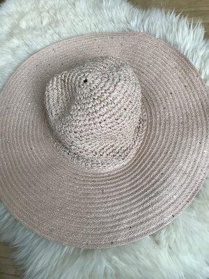 Chapeau de soleil rosé