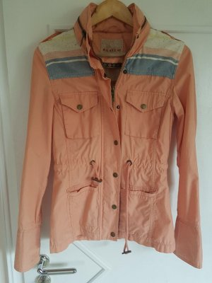 Sommerjacke in Apricot von Review