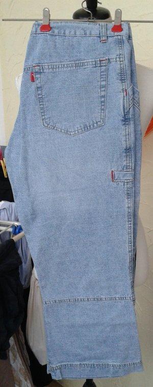Pantalón pirata azul claro