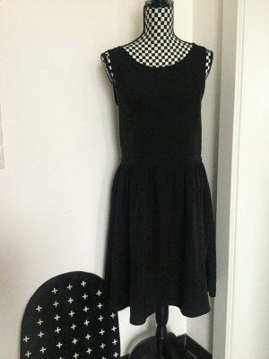 Sommerkleid, Abendkleid schwarz mit Spitze Gr. 40 Rückenfrei SassyClassy