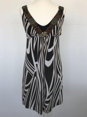 Sommerkleid Ana Alcazar schwarz weiß gemustert mit Schmuck-Elementen